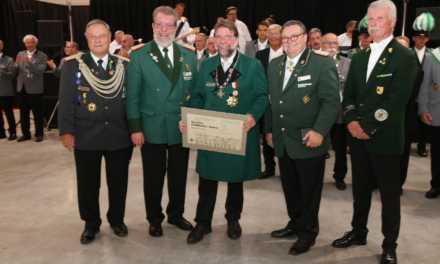 Seltene Auszeichnung an Horst Thoren